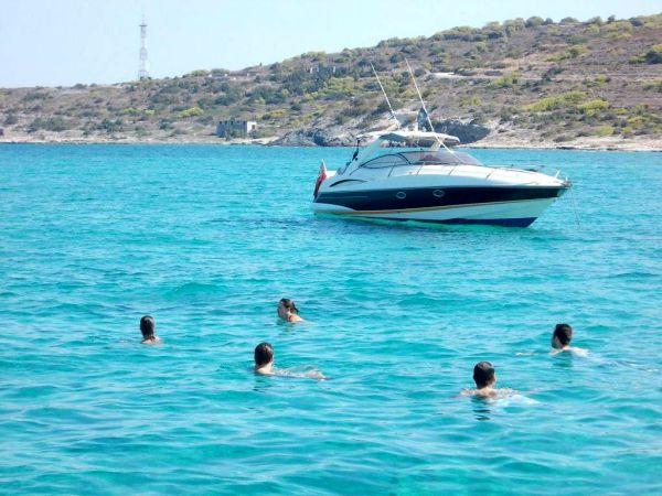 Kraj septembra u blizini ostrva Egina